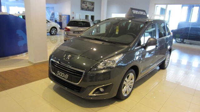 peugeot 5008 gris oscuro